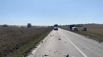 Un autotren, o autoutilitară, un autoturism și o căruță s-au ciocnit între Medgidia și Valea Dacilor. FOTO CTnews.ro