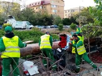 Cantități mari de deșeuri se găsesc, zilnic, aruncate la întâmplare pe spațiul public FOTO Polaris M Holding