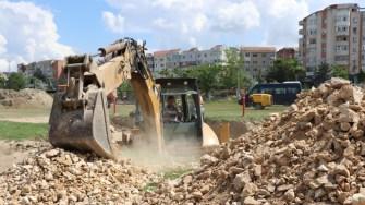 Lucrări la stadionul din Cernavodă. FOTO Adrian Boioglu