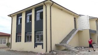 Corpul nou al școlii din Mihai Viteazu. FOTO Paul Alexe