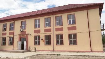 Școala din Mihai Viteazu. FOTO Paul Alexe