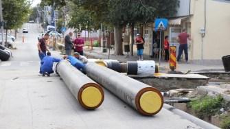 Primăria Cernavodă înlocuiește țevile de alimentare cu agent termic de pe strada Anghel Saligny. FOTO Paul Alexe