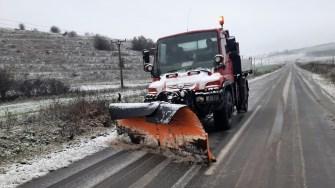 Circulație în condiții de iarnă pe drumurile din nordul județului. FOTO RAJDP Constanța