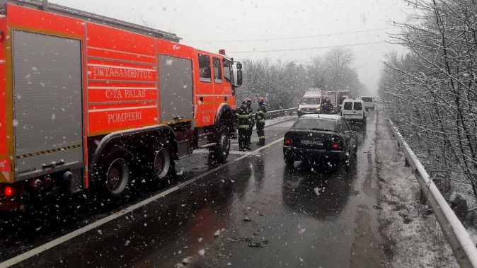 Accident rutier cu trei victime, produs la ieșirea din Murfatlar. FOTO ISU Constanța