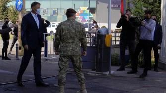 Președintele Klaus Iohannis a vizitat centrul de vaccinare de la Spitalul Militar Constanța. FOTO Paul Alexe