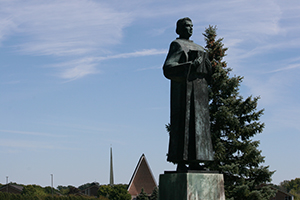 Statue of Martin Luther at the entrance to CTSFW
