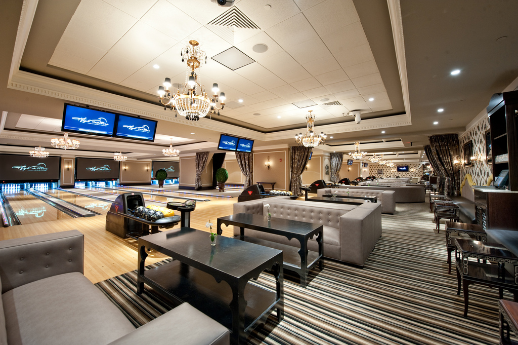 High Rollers Luxury Lanes  Lounge  Visit CT
