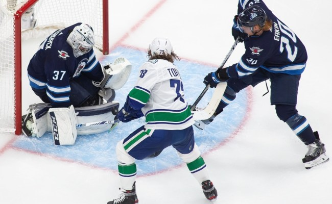 Canucks Lose To Jets In First Game Since Nhl S Covid 19