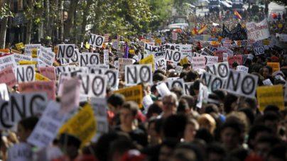 setenta mil universitarios Manifestación de estudiantes contra los recortes en Educación del primer gobierno de Mariano Rajoy