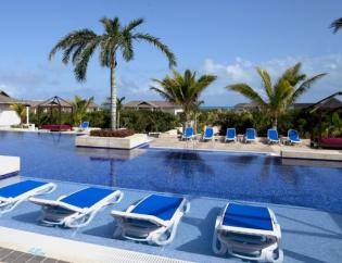 Photo of the Swimming Pool of the Hotel Royalton in Cayo Santa Maria, Cuba