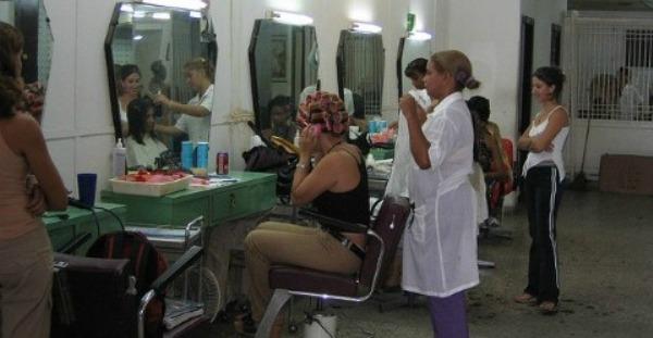 Nuevas normas pretenden ordenar sector no estatal de la economía cubana