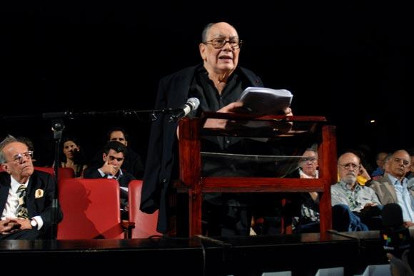 Alfredo Guevara inaugura el Festival de Cine Latinoamerciano