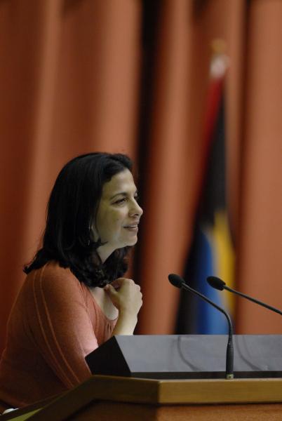 Patricia Rodas, Secretaria de Estado en el despacho de Relaciones Exteriores de Honduras, interviene en el acto de clausura de la Cumbre de la Alianza Bolivariana para los Pueblos de Nuestra América (ALBA), en el Palacio de Convenciones, en La Habana, Cuba, el 14 de diciembre de 2009. AIN FOTO/Marcelino VAZQUEZ HERNANDEZ