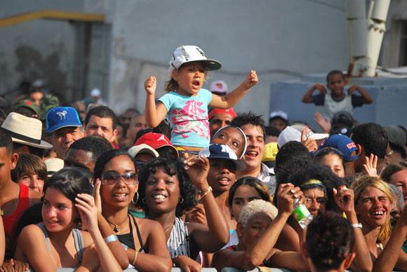 https://i0.wp.com/www.cubadebate.cu/wp-content/uploads/2010/04/concierto-patria-07.jpg