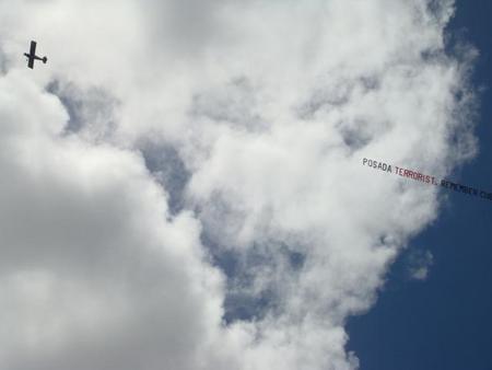 La avioneta ha sobrevolado varias veces Miami