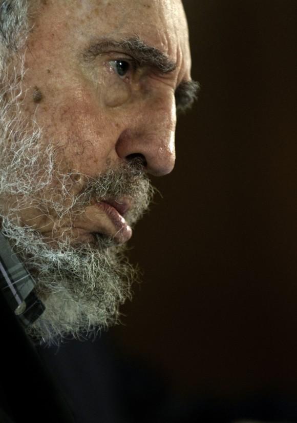 Fidel con los intelectuales. Foto: Roberto Chile