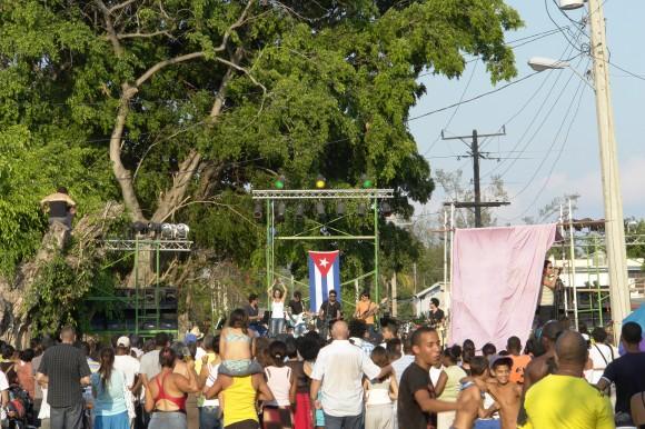 Polito Ibañez abrió el concierto. Foto: Rafael González/Cubadebate