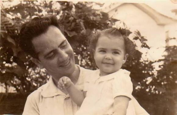 Domingo Ravenet y su hija Mariana en 1943. Foto Archivo personal de Mariana Ravenet.