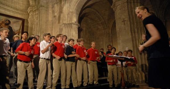 El Coro Infantil Ragazzi Boys, de California, Estados Unidos, durante un encuentro coral, en la Basílica Menor del Convento de San Francisco de Asís, en La Habana, Cuba, el 22 de junio de 2011. AIN FOTO/Omara GARCÍA MEDEROS/sdl