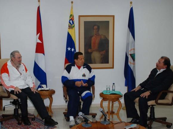 Fidel, Chávez y Daniel Ortega en La Habana. 23 de julio de 2011 Foto: Estudios Revolución/Archivo de Cubadebate