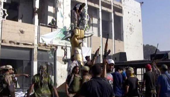 Toma y saqueo del Palacio de Gadafi. Foto: AP