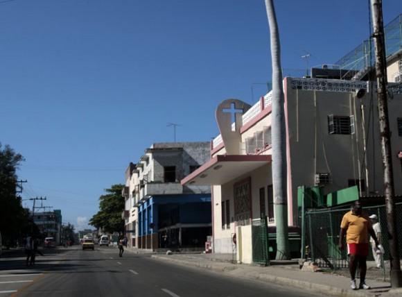 El templo de la Iglesia Evangélica Pentecostal, ubicado en Infanta y Santa Marta, en Centro Habana. Foto: Ismael Francisco