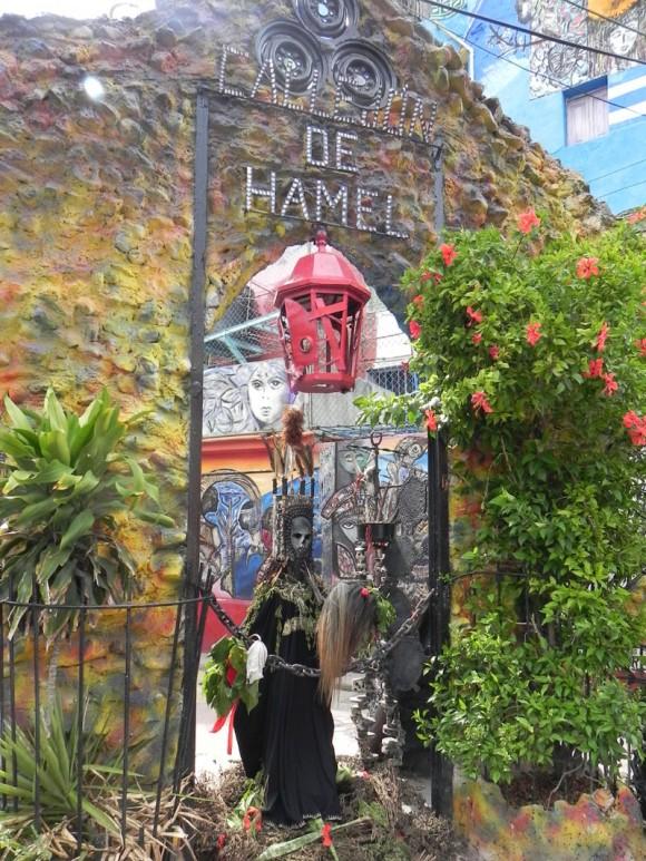 Uno de los sitios visitados por los delegados a Timbalaye fue el Callejón de Hamel. Foto Marianela Dufflar