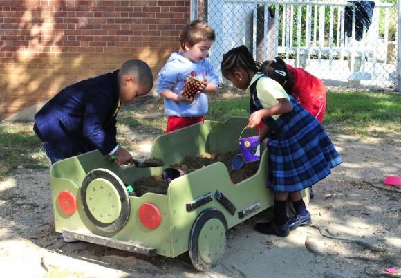 La Escuela Internacional de Maryland, abrió sus puertas a La Colmenita para compartir un día lleno de actividades.