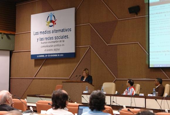 Ana Teresita González, vicecanciller cubana, inaugura el Taller. Foto: Cubadebate