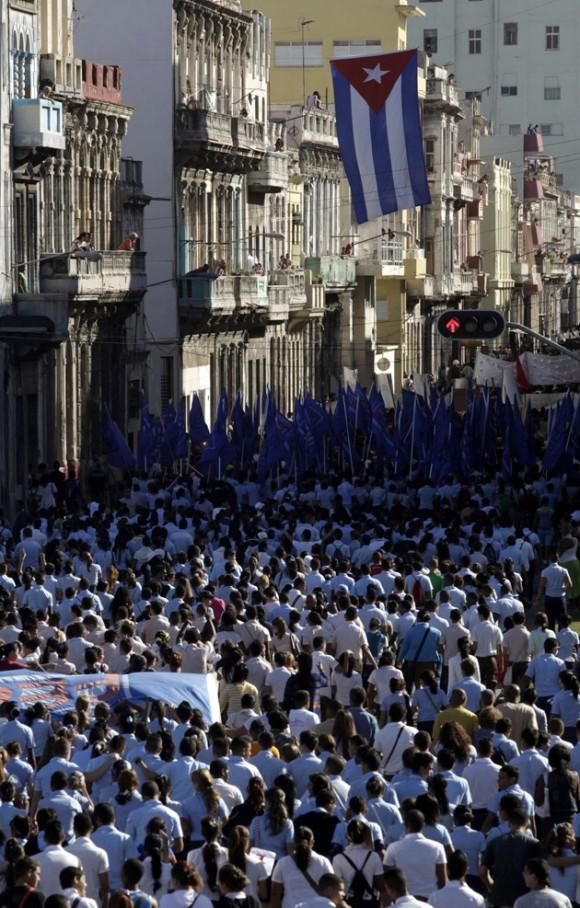 Estudiantes durante la marcha. Foto: Enrique de la Osa/ Reuters