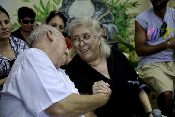 Sara y Reynaldo González, amigos. Foto: Roberto Chile