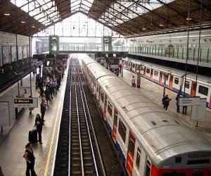 Estaciones del metro de Londres llevarn los nombres de
