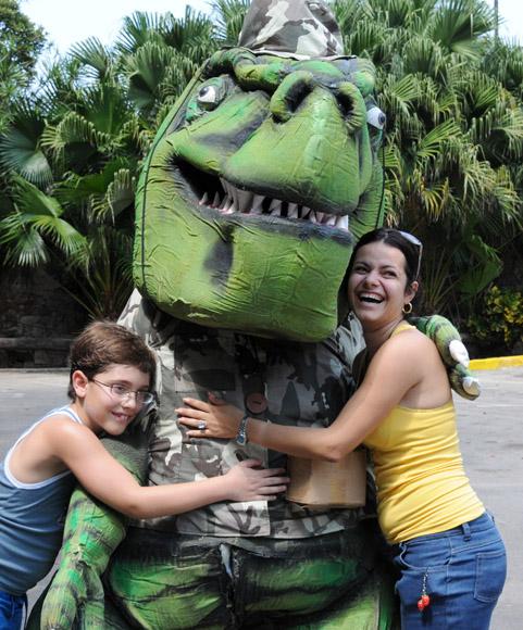 Dinosaurios en La Habana. Foto: Ismael Francisco/ Cubadebate
