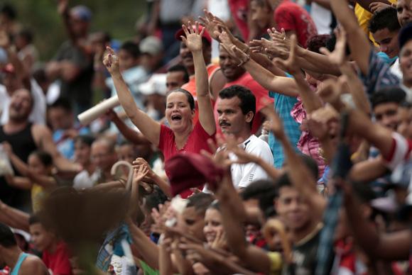 Los aficionados granmenses siempre dieron aliento a su equipo.<br /> Foto: Ismael Francisco/Cubadebate.