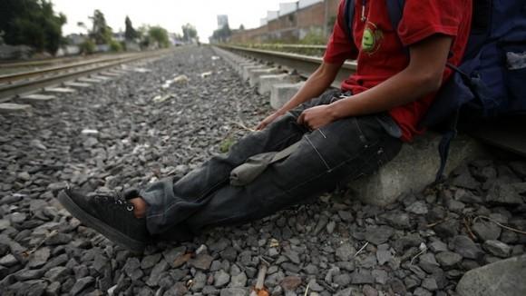 Migrante mexicano en la frontera con Estados Unidos. Foto: AP