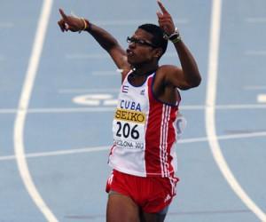 El vallista cubano Yordan OFarril tras ganar el 14to Campeonato Juvenil Mundial de 110 metros con vallas