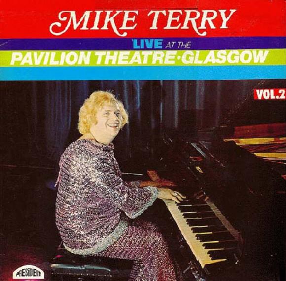 El pianista Mike Terry publicó este álbum con su directo en el teatro Pavillion Glasgow.
