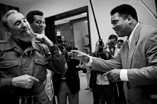 Con Fidel y Teófilo Stevenson. La Habana, 1996.