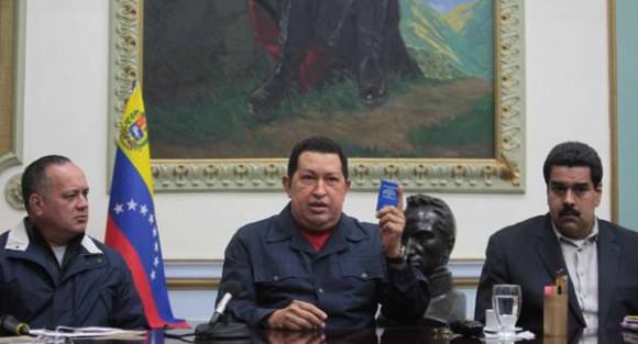 Hugo Chávez junto al Vicepresidente Nicolás Maduro y el Presidente de la Asamblea Naciona Diosdado Cabello. Foto: Prensa Presidenciall