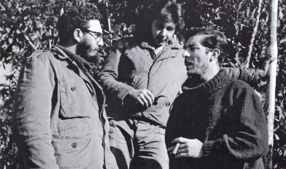 Fidel (izquierda), Raúl (Centro) y Meneses (derecha).