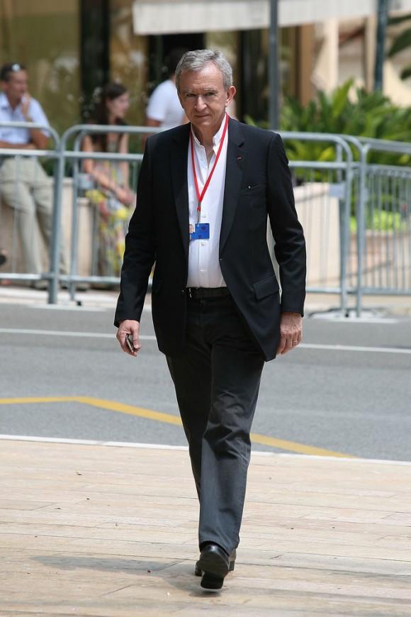 Bernard Arnault (USD 28.800 millones)