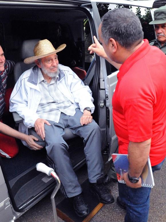El Comandante en Jefe Fidel Castro Ruz sostuvo emotivo encuentro con Diosdado Cabello, Presidente de la Asamblea Nacional de Venezuela. Foto: Estudios Revolución