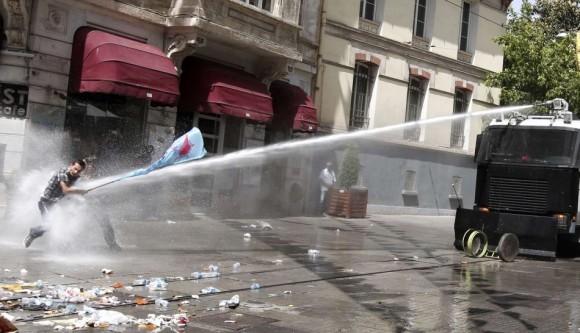 Turquía + policia+ manifestaciones
