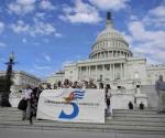 Cartel reclamando la libertad por los cinco, colocado en abril de 2012 ante la Casa Blanca. Imagen de Archivo.