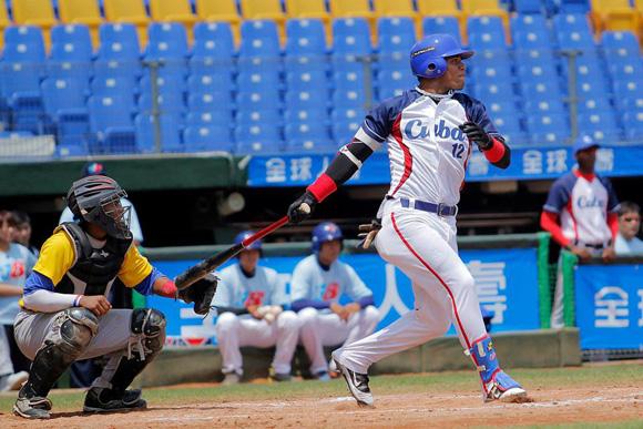 Por  Cuba, Moncada fue el mejor con el madero. Foto: IBAF.