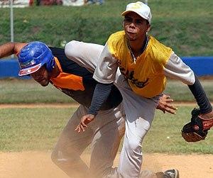 El 98 por ciento de los peloteros que se forman en las academias en RD no llegan a Grandes Liga