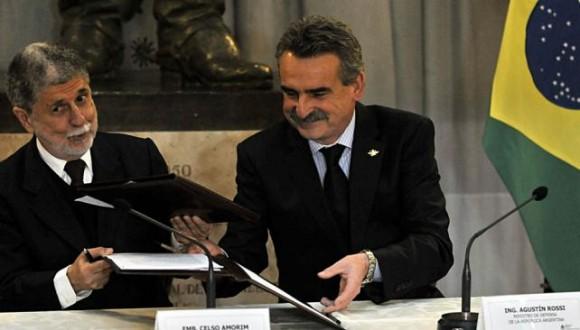 Los ministros de Defensa de Brasil y Argentina en su reciente reunión en Buenos Aires