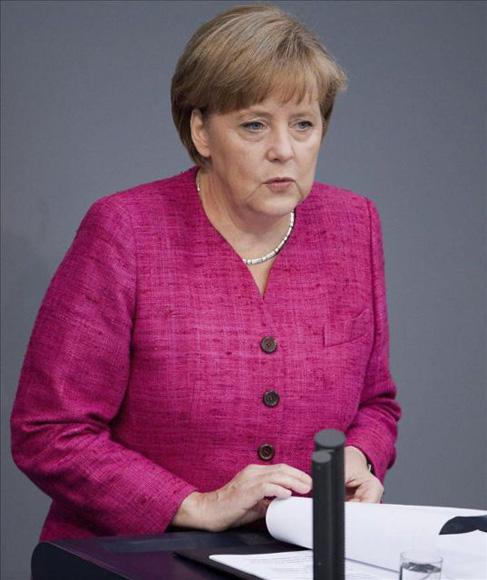 Angela Merkel durante una intervención ante el Bundestag (Parlamento Federal). Foto: Archivo (EFE).