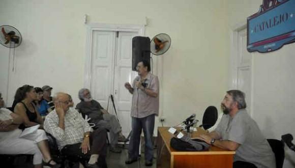 """Manuel Calviño en el primer """"Catalejo"""" de la UPEC. Foto: AIN"""
