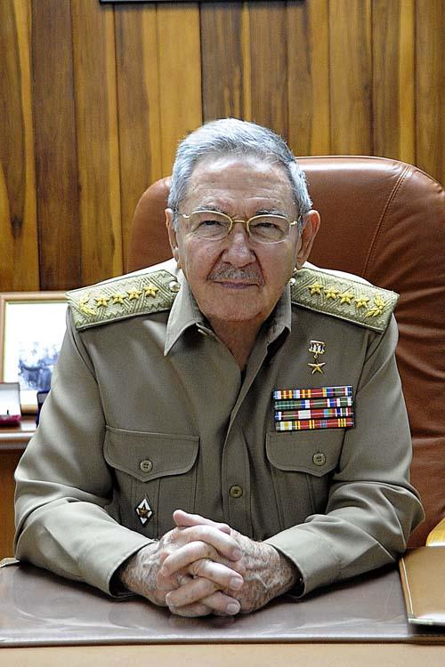 Alocucin de Ral Castro inicia Ejercicio Militar Bastin 2013  Cubadebate